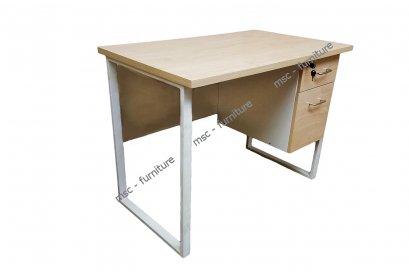 โต๊ะทำงานขาเหล็กแข็งแรงทนทาน
