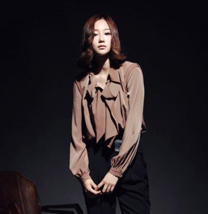 [[*พร้อมส่ง S]] [SZ-1680] SZ++เสื้อ++เสื้อเชิ๊ตสีน้ำตาลผ้าไหมหน้าอกระบาย แขนยาวค่ะ