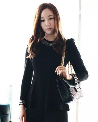 [[*พร้อมส่ง S]] [SZ-1783] SZ++เสื้อ++เสื้อสีดำไหล่ตั้งแขนยาว ปลายเสื้อบานออกสวยๆค่ะ
