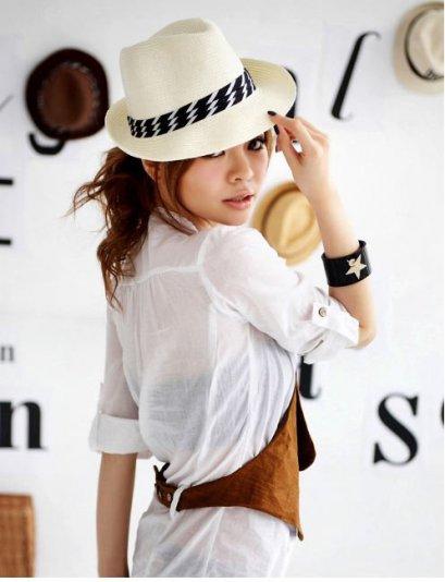 [[พร้อมส่ง F]] [Yi-329] FZY++หมวก++ทรงเล็ก สีขาว เก๋ๆค่ะ