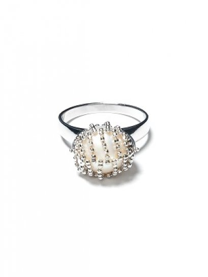 Lace Pearl Spinning Ring
