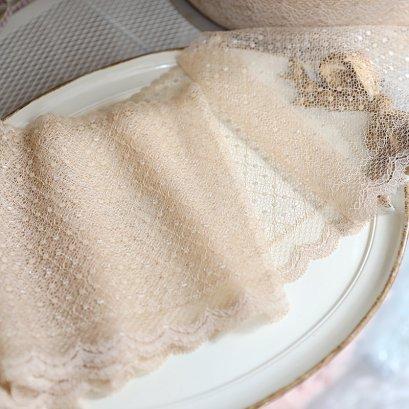 ผ้าลูกไม้แบบโปร่ง สีเบจ กว้าง 17.3 cm. ราคาหลาละ