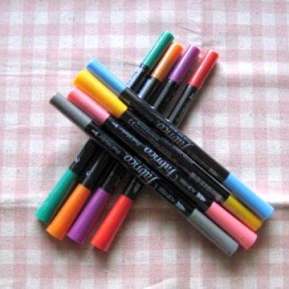 Ink maker หมึกแบบปากกา 2 หัว เหมาะสำหรับตกแต่งชิ้นงาน สามารถใช้ได้กับผ้า กระดาษ ไม้ (มีให้เลือกหลายสีค่ะ)