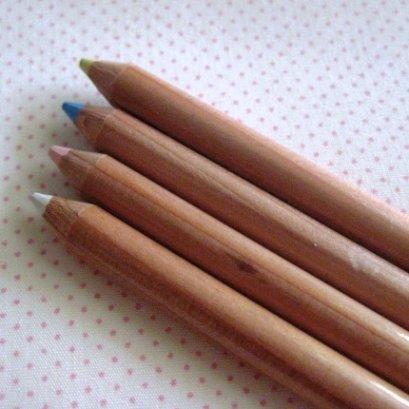 ดินสอเขียนผ้า ยาว 18 ซม.มีให้เลือก 4 สี ราคา/ด้าม