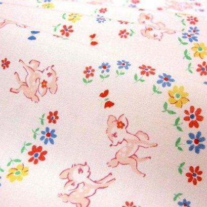 ผ้า cotton ของ A-TWO ลายกวางพื้นขาว ขนาด 1/8 m.(25*55 ซม.)