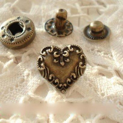กระดุมตอก หัวใจ ขนาด 1.4 cm. ราคา/ชุด