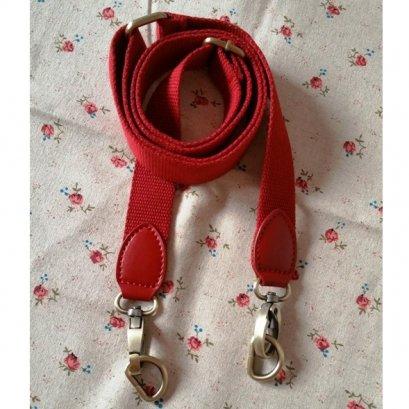 สายกระเป๋า cotton สายสีแดง ปลายหนังแท้สีแดง กว้าง 2.5 cm.ยาว 86 - 138 cm.
