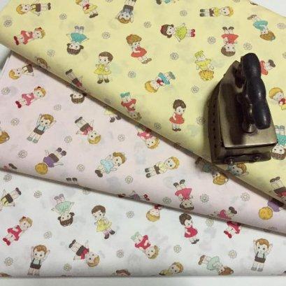 ผ้า cotton ญี่ปุ่น ลายเด็ก พื้นชมพู ขนาด 45 x 55 ซม.