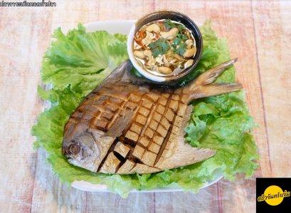 ปลาจาระเม็ดขาวทอดน้ำปลา