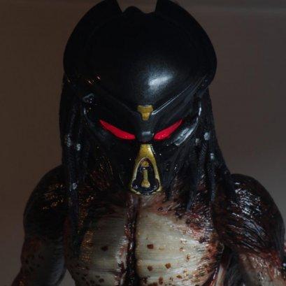Predator (2018) – 7″ Scale Action Figure – Ultimate Fugitive Predator (Lab Escape)