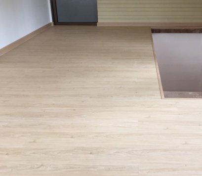พื้นกระเบื้องยางลายไม้scgราคาต่อตารางเมตรถูกที่สุดสำหรับพื้นห้องนอน