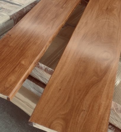 ไม้บันไดไม้จริงเอ็นจิเนียร์ไม้แดงราคาถูก