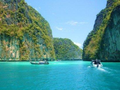 James Bond by Speed Boat & Sea Canoe