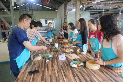โรงเรียนสอนทำอาหาร Mama Noi Cookery School (ครึ่งวันตอนเช้า)