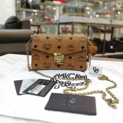Used ​ ​- MCM​ Wallet​ On​ Chain​ Crossbody​