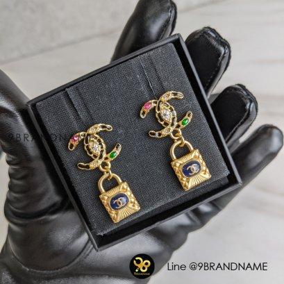 InStock- Chanel ต่างหู รูป CC Gold มีพลอย5สีแม่กุญแจ