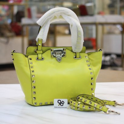 Un used : Valentino Rockstud​ Small​ Trapeze​ Tote​ Bag​ Yellow​