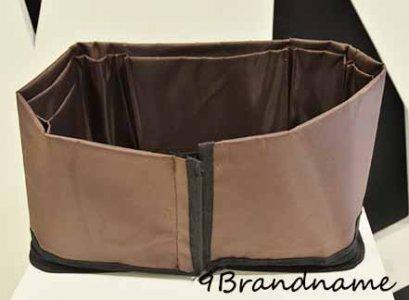 จัดระเบียบกระเป๋า พร้อมดันทรงให้กระเป๋าไม่เสียรูป ผ้าร่มแบบมีซิป ถอดซัดได้ค่า