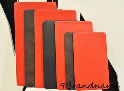 ฐานรองกระเป๋า สำหรับจัดทรงไม่ให้ก้นกระเป๋าย้วย และป้องกันก้นกระเป๋าเลอะค่า