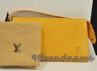 Louis Vuitton Pochette Epi สีเหลืองสภาพดีค่ะ