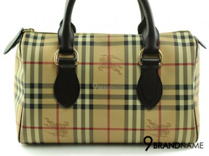 Burberry Boston Classic Check