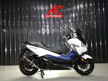 Forza300 ABS สีขาว-น้ำเงิน ปี18