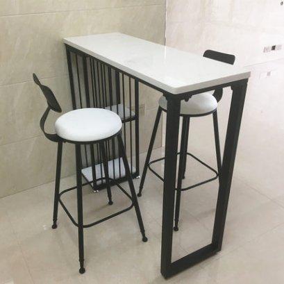 โต๊ะบาร์