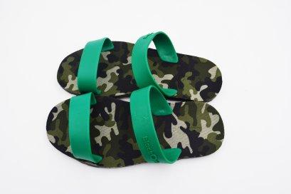 SLING - blackOut พื้นทหารเขียว/หูเขียว