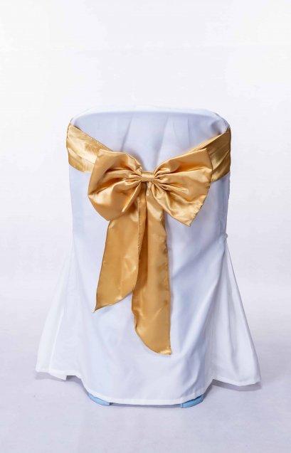 เช่าเก้าอี้พลาสติกคลุมผ้าสีขาวผูกโบว์