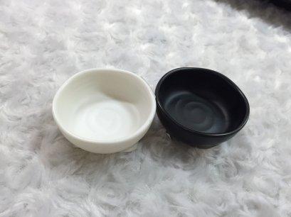 """ถ้วยน้ำจิ้ม 2.2"""" มีสีขาว,สีดำ"""