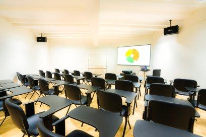 Conference Rooms (L) ห้องสัมมนาขนาด 25-30 คน ( social distancing 12-15 คน)