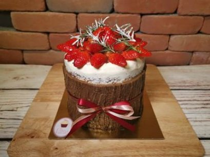 Choco Strawberry Bucket
