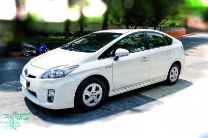Toyota Prius - White
