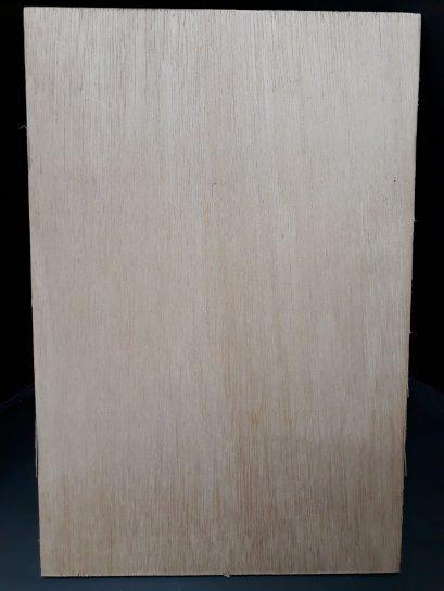 ไม้อัดยาง น้ำหนักเบา หนา 3mm ขนาด 20x30 cm