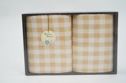 กิ๊ฟเซ็ทผ้าขนหนู ผ้าขนหนูของขวัญ ผ้าขนหนูปีใหม่ ผ้าขนหนูรับไหว้ ขนาด 27x54 นิ้ว ลายตาราง สีครีม จำนวน 1 ผืน บรรจุในกล่องพรีเมี่ยม พร้อมส่ง