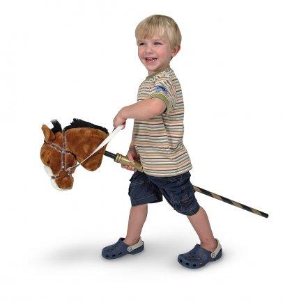 Melissa & Doug รุ่น 2176 Gallop & Go Stick Pony ชุดไม้เล่นขี่ม้า ผ้าขนแกะนุ่มพิเศษด้ามไม้แกะสลัก