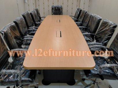 โต๊ะประชุม 12 ที่นั่ง