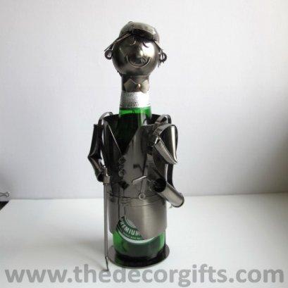 หุ่นเหล็กวางขวดเหล้าเบียร์ นักกอล์ฟ