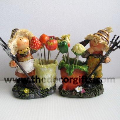 ตุ๊กตาเรซิ่น ส้อมจิ้มผลไม้ ผักแครอท (2 ตัว)