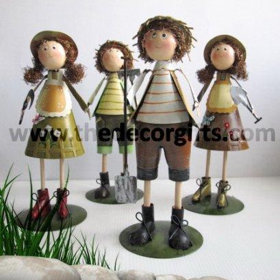 ตุ๊กตาสังกะสี ชาวสวนหญิงชายตัวสูง (4 ตัว)
