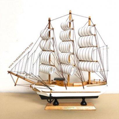เรือใบ เรือสำเภาจำลอง งานไม้ประดิษฐ์ แนวทะเล (Size L) Vol. 3 ลาย A