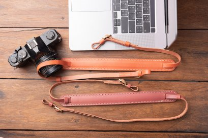 CAMERA STRAP GENUINE LEATHER- brown