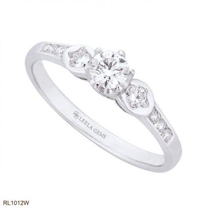 แหวนหมั้นเพชร