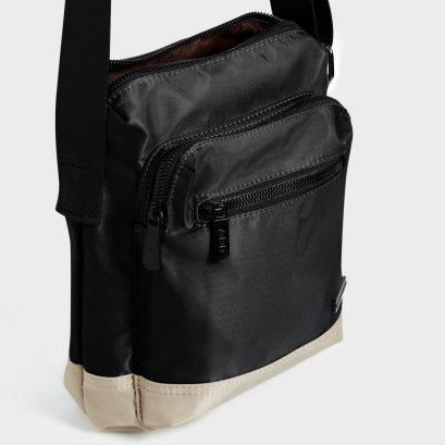 WEEKEND SIDE BAG : Black