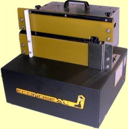 เครื่องปิดปากกล่องด้วยกาวร้อนแบบกึ่งอัตโนมัติ รุ่น MINI MONOSEAL
