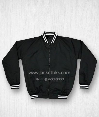 เสื้อแจ็คเก็ต ทรงเบสบอล แบบคอตั้งทอพรม สีดำ ปกขลิปขาว