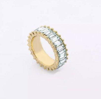 Signature Crystal Ring ( Baby blue )