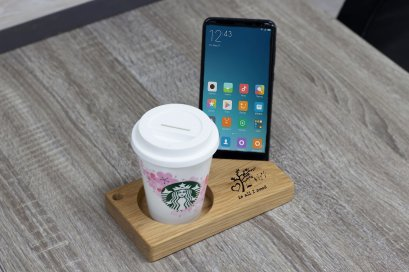 แท่นไม้โอ๊ควางสมาร์ทโฟนคู่ช่องกลม Size M ลาย is all i need