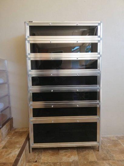 ตู้รองเท้าอลูมิเนียม 7ชั้น รุ่นชั้นกระจกนิรภัย โครงสีเงิน