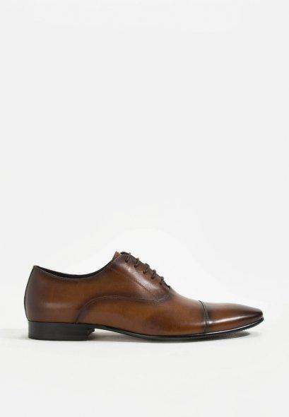 รองเท้าหนังแบบผูกเชือกทางการ สีน้ำตาล GOODYEARWELTED LEATHER SHOES